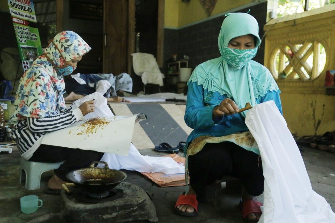 Berawal Dari Hobi, Guru IPA Sukses Tekuni Usaha Batik Tradisional