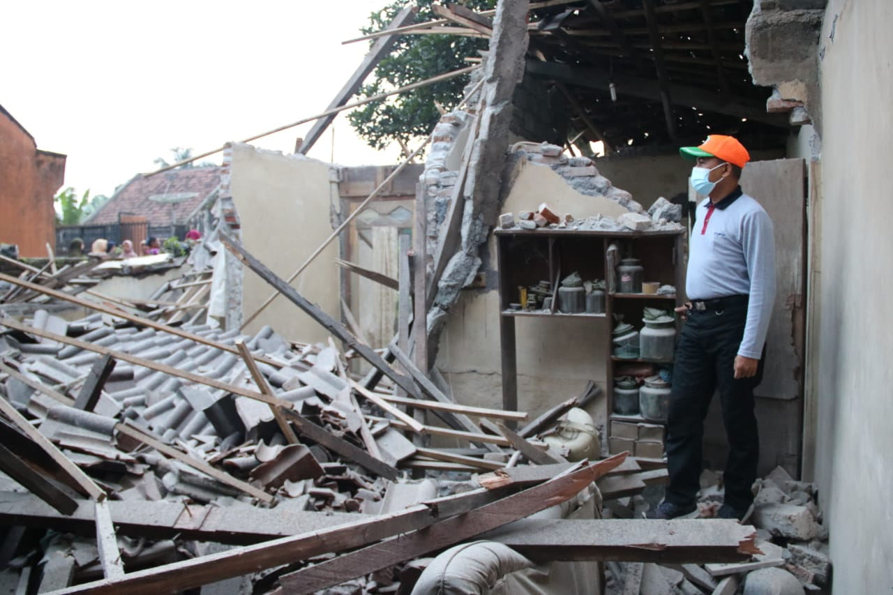 Pasca Gempa, Sekda Lumajang Pantau Korban di Tawon Songo Pasrujambe