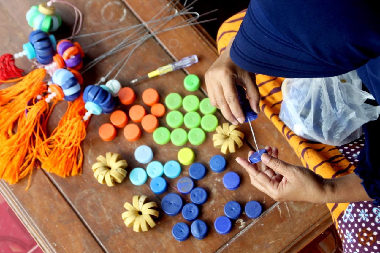Tutup Botol Hiasi Kampung Jiro Citrodiwangsan