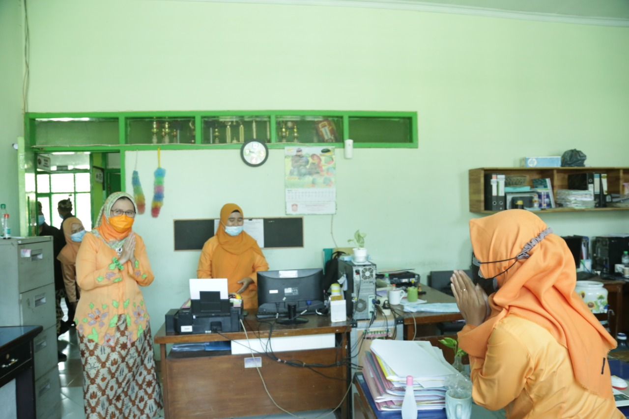 Masih Dalam Momen Lebaran, Wabup Kembali Keliling Kantor PD