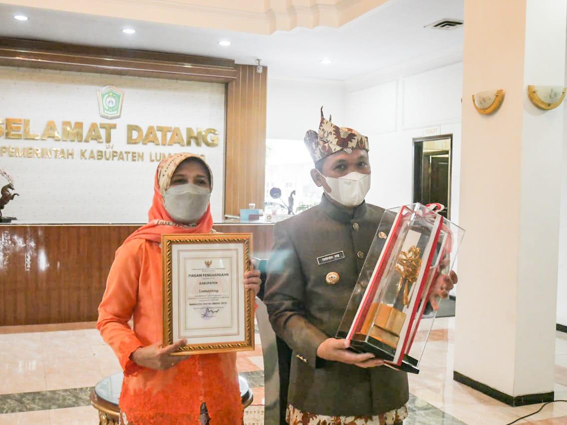 Bupati Terima Green Leadership Nirwasita Tantra Award