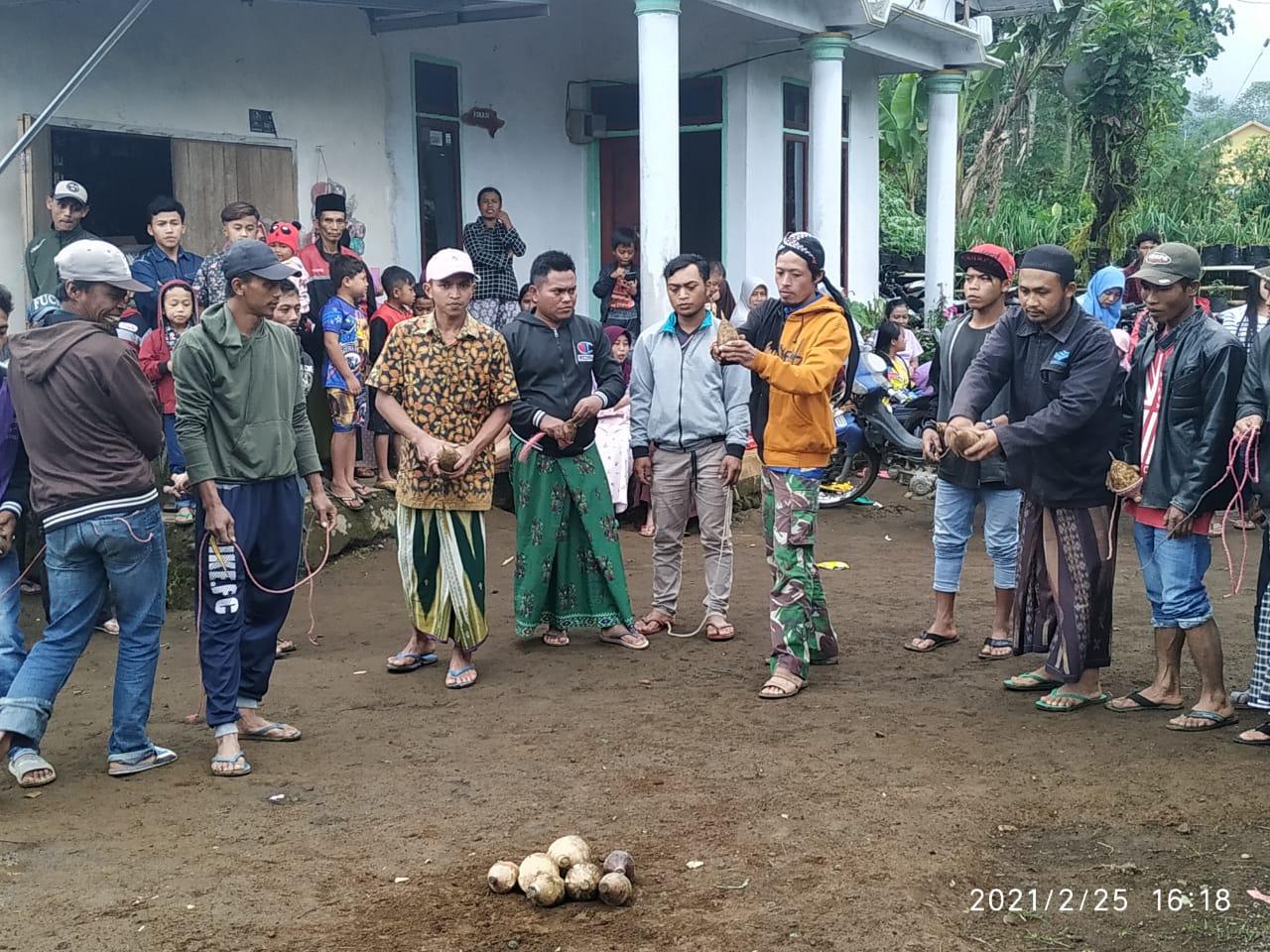 Gasing Kayu, Lestari Di Sombo Ujung Lumajang